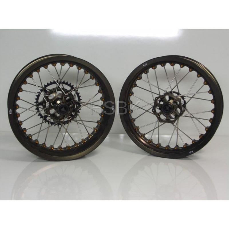 Parts Ducati Streetfighter Wheels Swingarm Kineo 848 1098 Tubeless Spoke